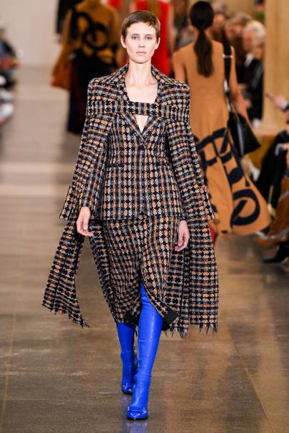 be3c52c2af Victoria Beckham Autumn/Winter 2018 Ready-To-Wear show report ...