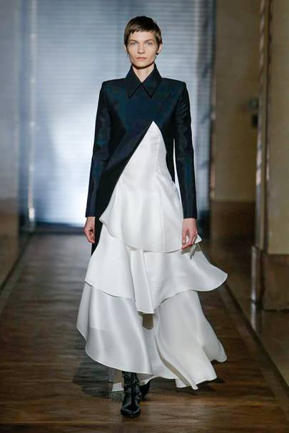 24acd2f6a6abc Givenchy Spring Summer 2018 Couture show report