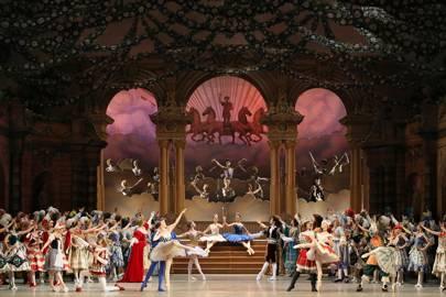 Do: Ballet at Mariinsky Theatre