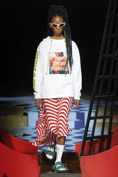 House Of Holland Spring Summer 2018 Ready-To-Wear show report ... c4fd8a9db4