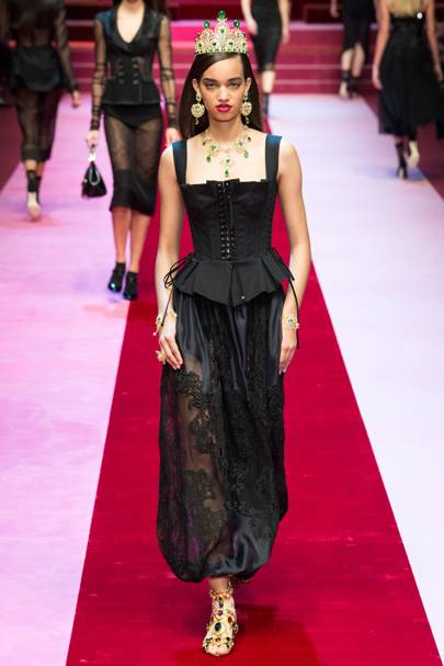 9261c65d5ca7 Dolce   Gabbana Spring Summer 2018 Ready-To-Wear show report ...