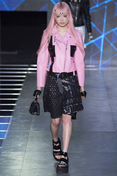 Louis Vuitton Spring Summer 2016 Ready-To-Wear show report  5c7a762536f61