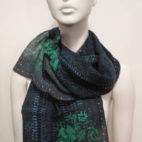 A chic print scarf