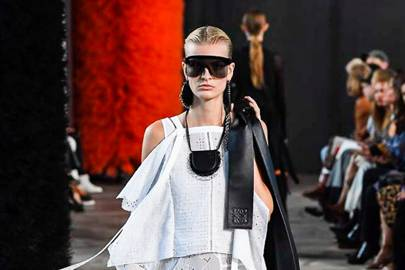 a8a36672b7 Loewe Spring Summer 2019 Ready-To-Wear show report