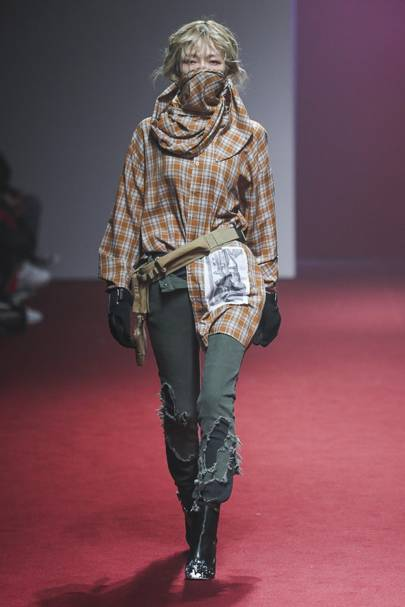 R Shemiste 2layer St Shirt Red Black: R. Shemiste Autumn/Winter 2018 Ready-To-Wear Show Report