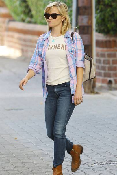 Reese Witherspoon Wearing A Rails Shirt