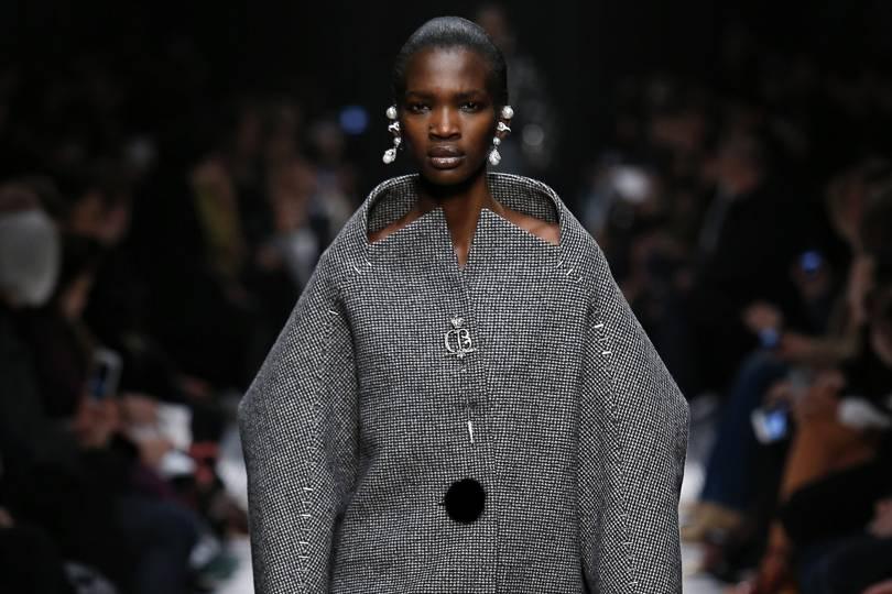 Balenciaga Autumn/Winter 2015 Ready-To-Wear show report