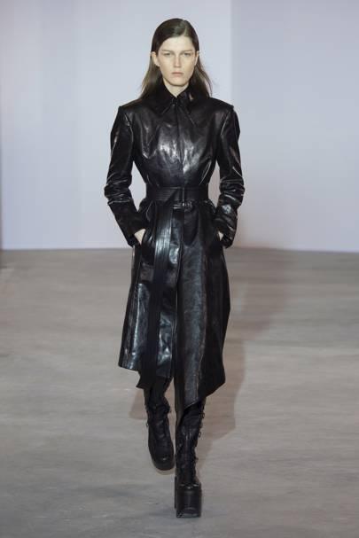 Olivier Theyskens Autumn/Winter 2018 Ready-To-Wear show report | British  Vogue