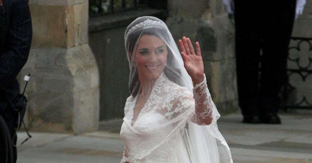 Alexander mcqueen royal wedding dress lawsuit british vogue for Wedding dresses reading pa