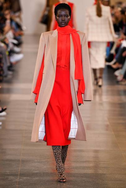 340f6774bd Victoria Beckham Autumn/Winter 2019 Ready-To-Wear show report ...