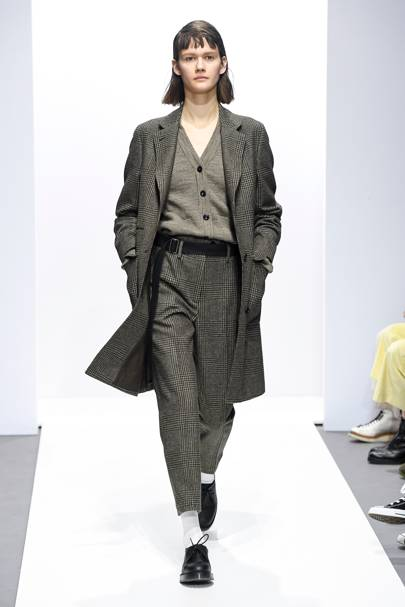 Margaret Howell Autumn Winter 2018 Ready-To-Wear show report ... db19b2f7577