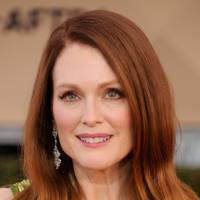 Julianne Moore's Spot-on Colour Clash