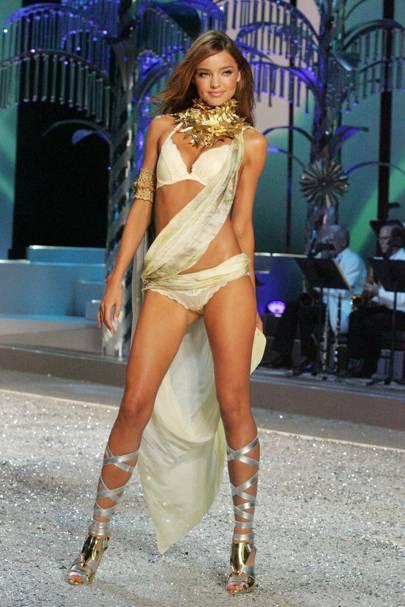664ef9bbe3 Miranda Kerr Not Leaving Victoria s Secret - Fashion Show 2014 ...