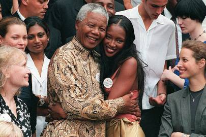 Kate Moss, Naomi Campbell and Christy Turlington with Nelson Mandela