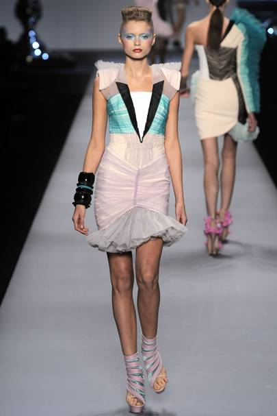 5cb1d078e Viktor & Rolf Spring/Summer 2010 Ready-To-Wear show report | British ...