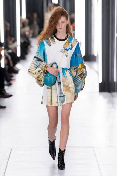 Louis Vuitton Spring Summer 2019 Ready-To-Wear show report  c8c5a3a7140b4