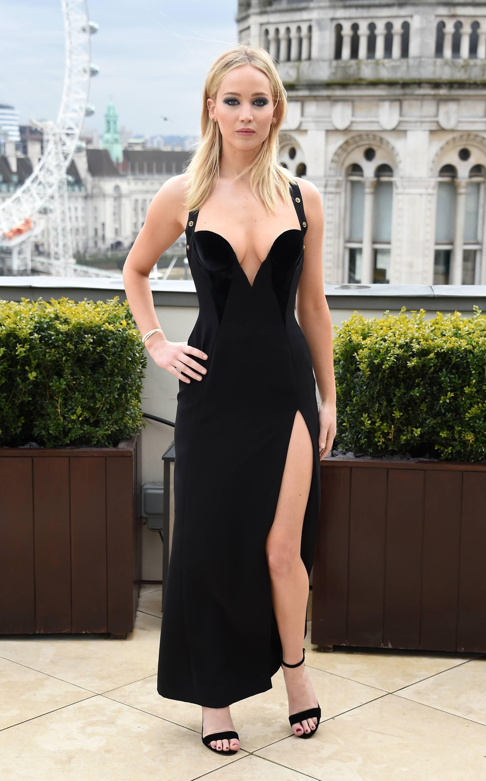79fdfa5d555e Jennifer Lawrence Responds To Dress Controversy