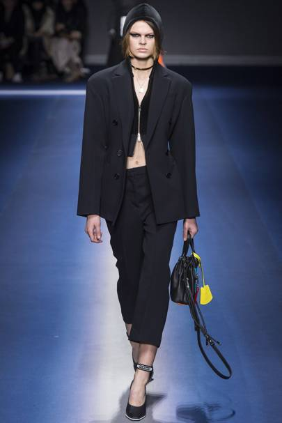 a609c9d4d3ae Versace Autumn Winter 2017 Ready-To-Wear show report   British Vogue