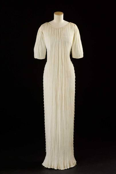 A Short Sleeved Delphos Dress From 1940 By Mariano Fortuny Made Pleated Mercerised Cotton Toile With Silk Cord And Gl Pearl On Detailing