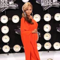 Beyoncé Knowles - Drape Your Shape