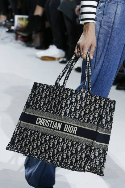1565d45a5359 Christian Dior Spring Summer 2018 Ready-To-Wear show report ...