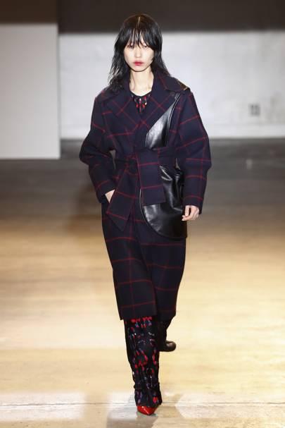02617dde1bb25 Self-Portrait Autumn/Winter 2018 Ready-To-Wear show report | British ...