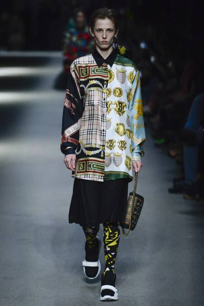 "Burberry Spring Summer 2018 Ready-To-Wear collection. "" 8cca973bc"