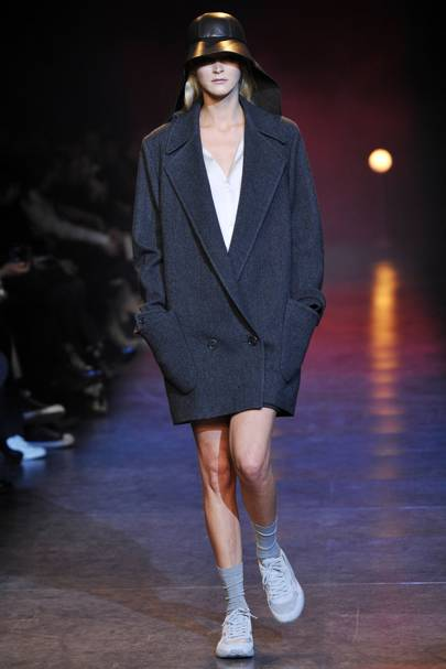 841c5066a48 Hussein Chalayan Autumn Winter 2010 Ready-To-Wear show report ...