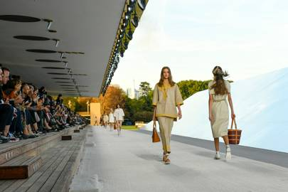 #SuzyPFW The Future Is Orange For Hermès And Poiret