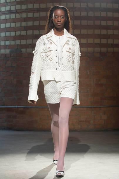 85b53dbb7 Bernard Chandran Spring/Summer 2018 Ready-To-Wear show report ...
