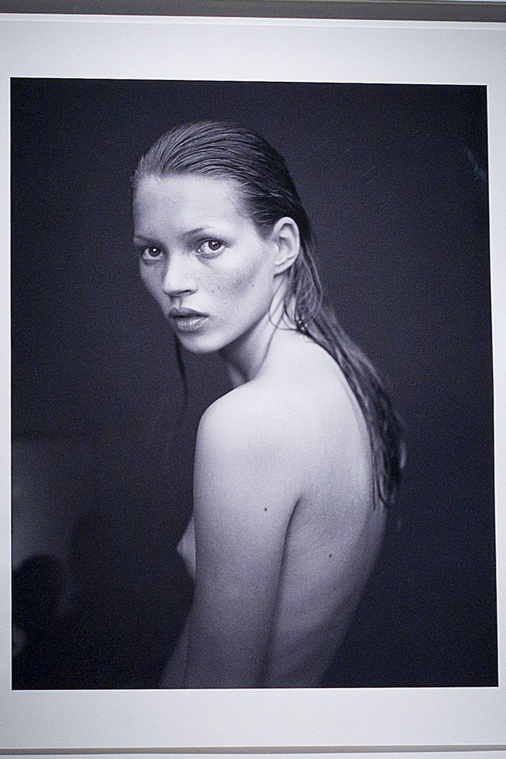 Watch Kate Moss Talks Life as a Young Model Her Down-to-Earth Approach to Beauty video