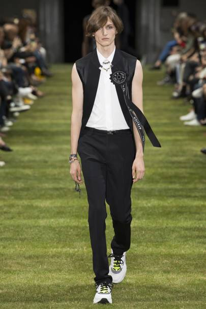 separation shoes 7d1b9 5097f Dior Homme Spring Summer 2018 Menswear collection