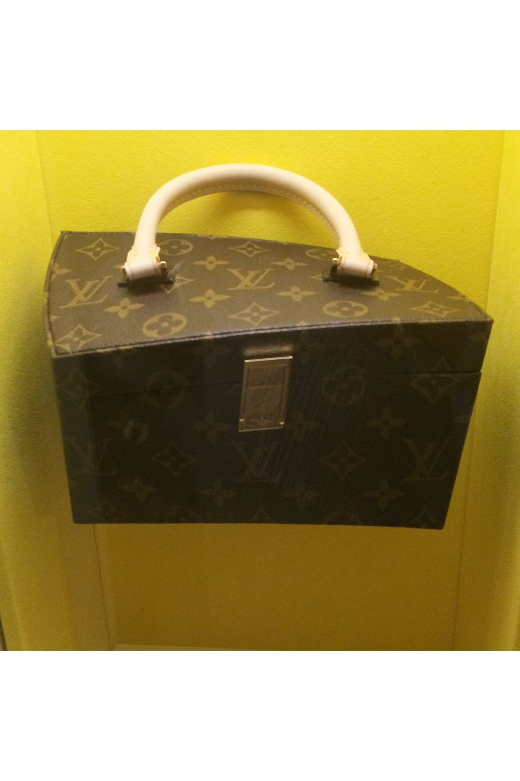 Louis Vuitton Restless Heritage On The Move British Vogue - How to make an invoice in word louis vuitton online store