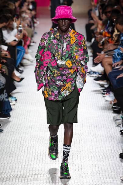 Valentino Spring Summer 2019 Menswear show report  688784a88fdc