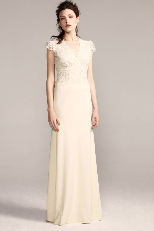 Sophie Cranston to design Kate Middleton's wedding dress