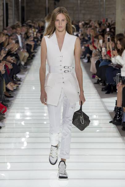 Louis Vuitton Spring Summer 2018 Ready-To-Wear show report  ff4807bf384c6