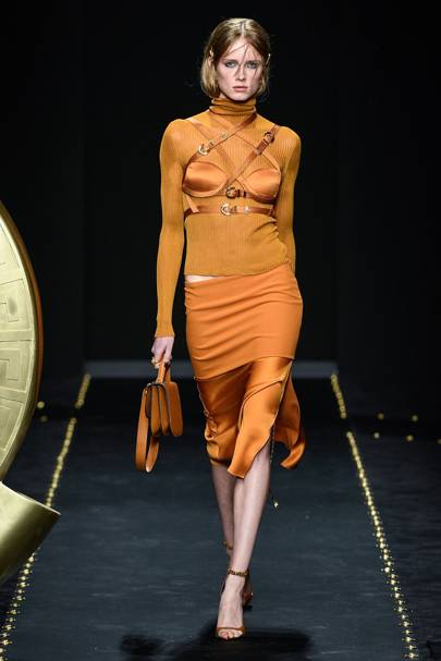 e6eacb5ce4b5 Versace Autumn Winter 2019 Ready-To-Wear show report