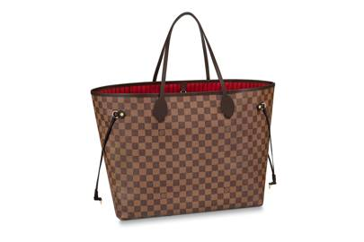 3887bb940601 The Tote Bag  The Best Styles To Wear With Everything