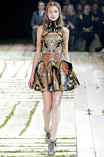 093ebf73c3 Alexander McQueen Spring Summer 2011 Ready-To-Wear show report ...