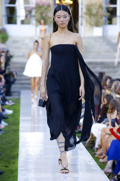 Jacquemus Ready To Wear Spring Summer 2018 Paris: Jacquemus Spring/Summer 2019 Ready-To-Wear Show Report