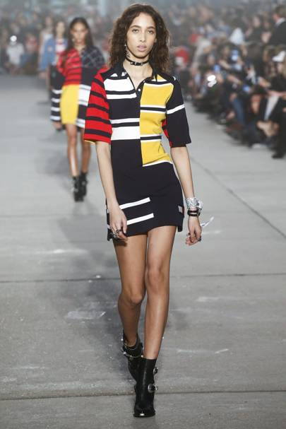 35ed8084 Tommy Hilfiger Spring/Summer 2017 Ready-To-Wear show report ...