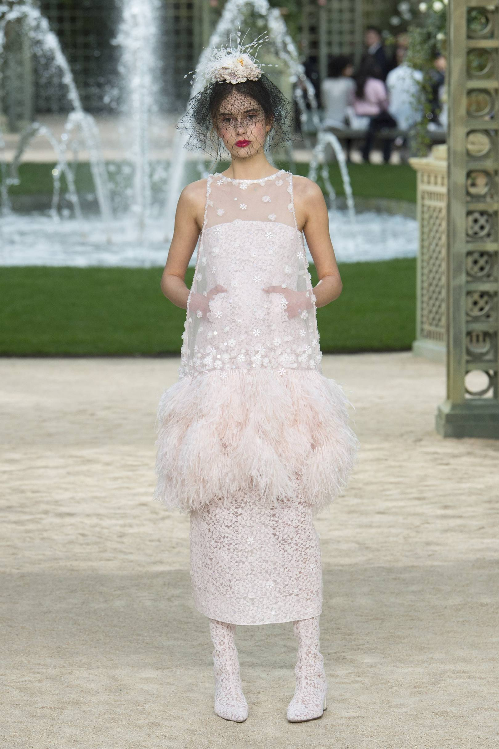 The Best Wedding Dresses From The Springsummer 2018 Couture Shows