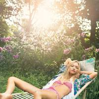 #AugustVogue – And Relax