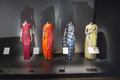 A few examples illustrating different methods of tying saris