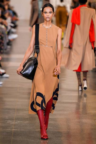 5c60a6dce9a7 Victoria Beckham Autumn Winter 2019 Ready-To-Wear show report ...