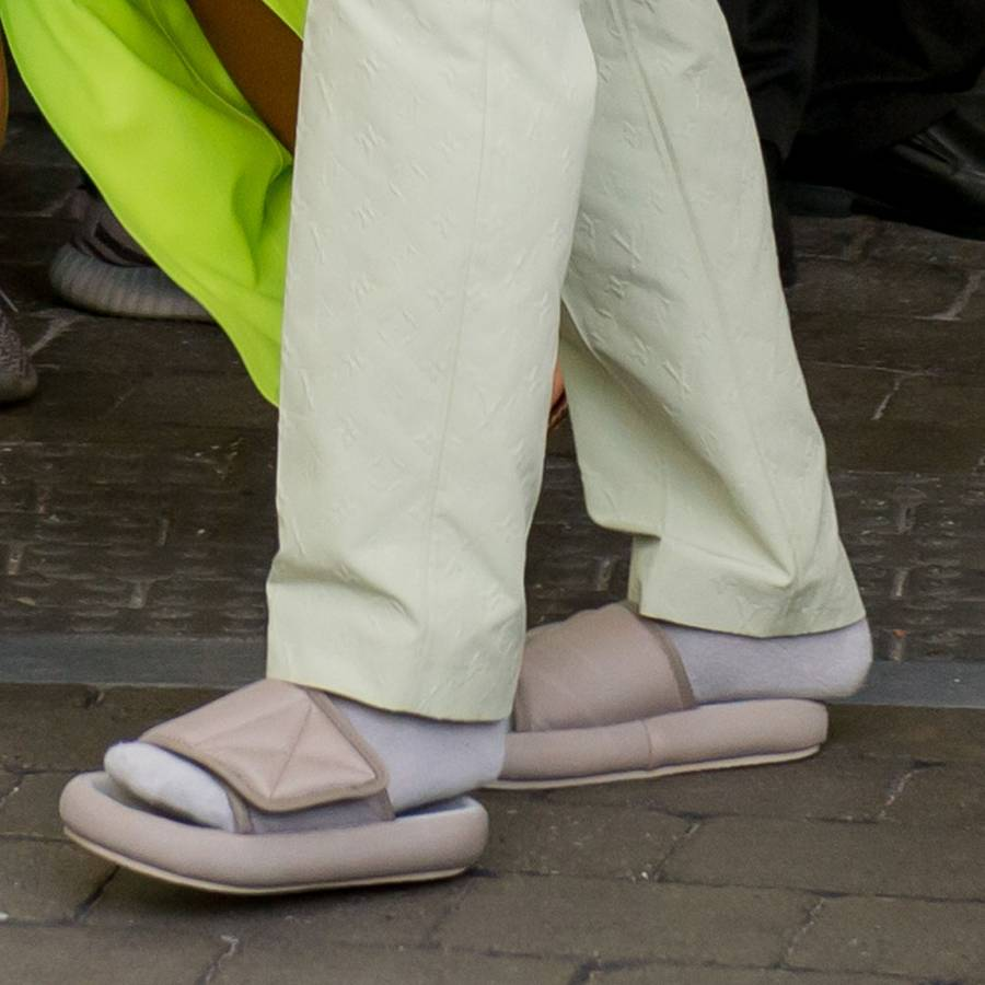 780727ee3 Why Kanye West s Too-Small Yeezy Pool Slides Are Dangerous