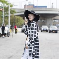Hyun Jeong Ji, model