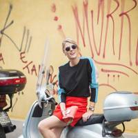 Sofie Valkires, blogger