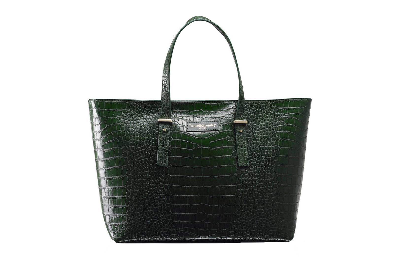 ebafa70b0496c The Tote Bag  The Best Styles To Wear With Everything