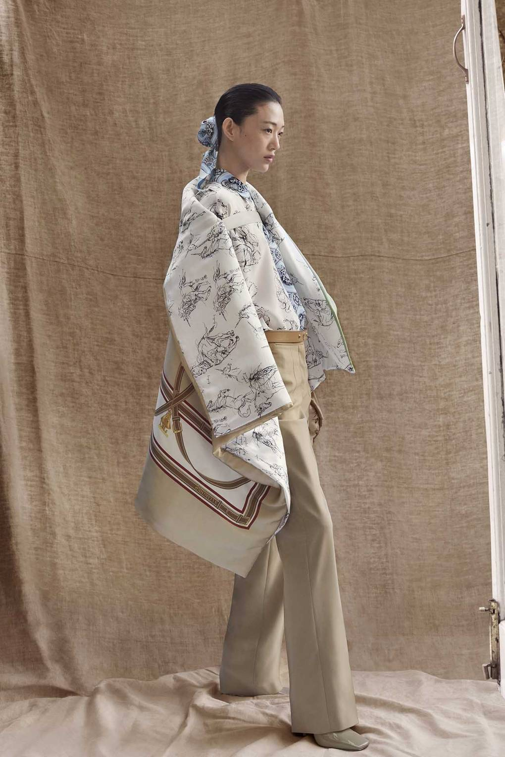 a8ea4f8a527 Burberry Unveils Riccardo Tisci's First Pre-Fall Collection – And It  Features A New Handbag | British Vogue